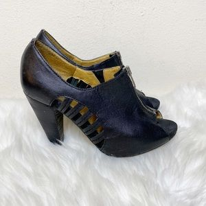 Seychelles Black Ankle Bootie Heels Leather Size 7